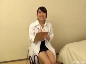 دكتور,ممرضة,منطقة نظر,حلق الشعر,زي مدرسى