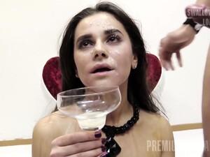 Залить спермой,Кончить на лицо,Глотать сперму