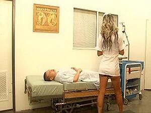 جلوس علي الوجه,ممرضة