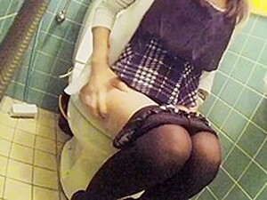 Asian Young Girl Voyeur Toilet
