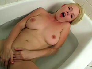 Blonde Missy Monroe Swallows Dick In The Bath