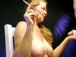 大奶头,射精,手淫,熟女,吸烟