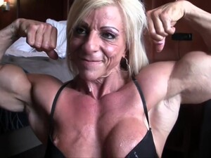 Sexy Mature Muscle Milf Fuck With Condom Cock Amp Blowjob In Bedroom