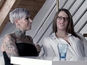 Seks bertiga,Porno Jerman,Stoking,Tato,Mainan seks