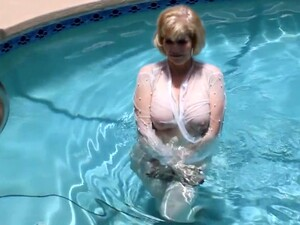 Mature In The Pool