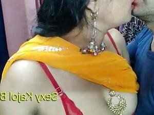 18〜19歳,カップル,インド人のポルノ,乳首