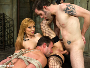 Lea Lexis Wolf Hudson Cameron Kincade In Small Penis Humiliation Cuckold - DivineBitches