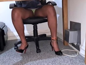 黑人,巴西色情,秘书,超短裙