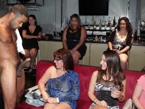 Donne vestite uomini nudi,Ballo,Latine,Orge,Festa