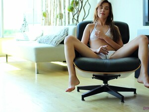 Sexy Kaylee Haze Likes To Fuck With A Friend Until He Cums
