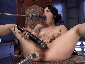 Deep Pussy Plunging With A Fuck Machine While She Vibrates Her Clit
