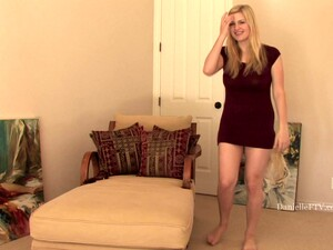 A Kinky Blond Chick Danielle Is Vibrating Herself