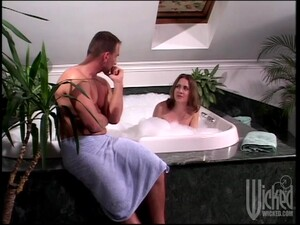 Two Chicks Suck A Dick And Get Fucked In A Bathtub