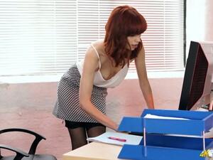 秘书,小咪咪,一个人