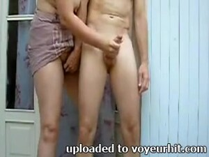 Horn-mad Natural Girlfriend Is Happy To Treat Amateur BF With Handjob