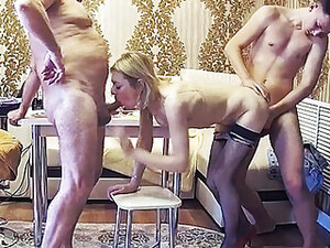 Amateur,Blasen,Gruppensex,MILF,Orgie