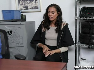 Kylie Is Ready To Have Sex With Officer Tyler Who Caught Her Stealing
