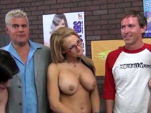 Behind The Scenes Of A Porn Video With Blondie Nikki Sexx