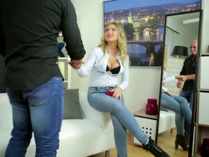 Sex-hungry Bitch Lucy Heart Sucks Heavy Cock Before Steamy Pounding