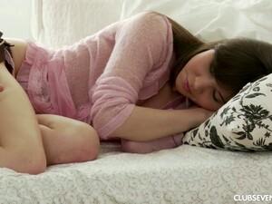 Sedang tidur,Kaus kaki