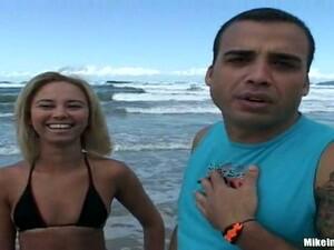 Pantat,Tepi pantai,Isap kontol,Gadis Brasil,Buah dada kecil
