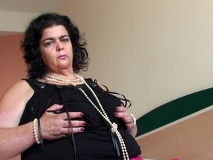 Elderly Woman Margarita Wers Perls While Teasing Her Pussy