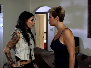 Pussy Licking And Facesitting Are The Best Things For Joanna Angel