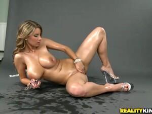 Smoking Hot Blondie Is Stripping Off And Masturbating