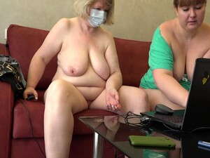 Mature Chubby Lesbians In Front Of A Webcam Show Vaginal Fisting And Masturbation With A Dildo Homemade Fetish, Shaved Pussy And Juicy Pawg Doggy Style 10 Min