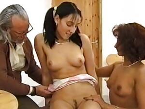 3P,オランダ人のポルノ,おじいちゃん,ママ,義理の母