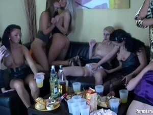 Drunk Girls Hot Sex Party - Lesbian Orgy