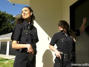 Irklararası,Polis,Üniforma