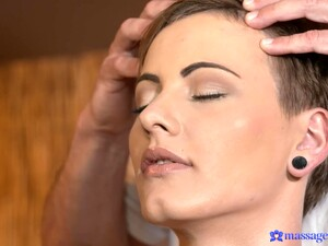 Fucking On The Massage Table With Delicious Bella Pumpkin