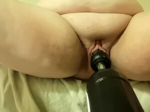 BBW Getting Fucked By A Machine And Squirting