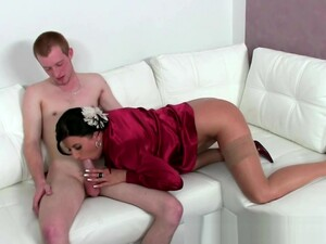 Mature Porn Agent Drools On Clients Cock During Audition