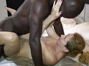 Gagica,Blonde,Hotel,Intre rase