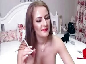 Shemale Invite You Online With Flaunting Luscious