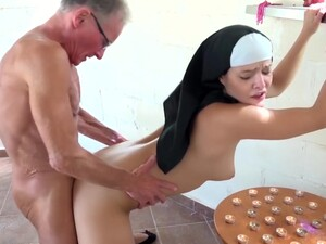 Rahibe,İhtiyar adam