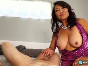 Mandy Thai Fuck With Muscled Guy
