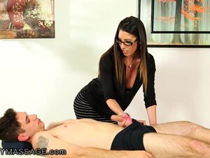 Sexually Attractive Elder Woman Dava Fox Gives A Blowjob To Younger Man