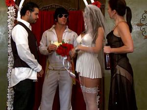 Sexy Bride Got Horny During The Wedding Ceremony