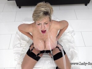 Lady Ia Wants To Be Covered In Cum