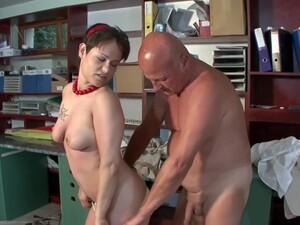 おじいちゃん,ハンガリー人のポルノ