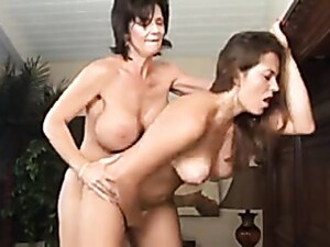 Big Tits Lesbian Deauxma Strapon Fucks Babe