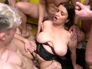 Amateur Gangbang With Cock Hungry Mature Wife Iveta Who Loves Cum
