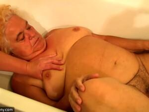 Seks bertiga,Seks amatir,Porno Ceko,Tua dan muda,Tato
