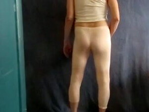 Male Bitch Shakes His Hot Ass For You.