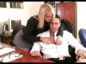 Blonde,Secretare