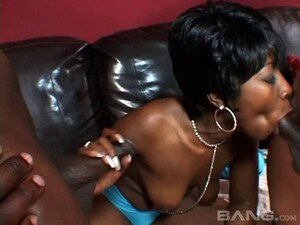 Ebony Milf Offers Both Her Holes To These Hung Black Guys