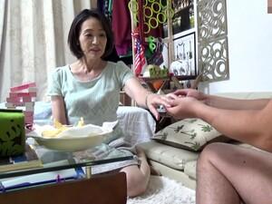 亚洲色情,日本色情